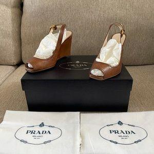 Prada Palissandro Vit Shine Leather Wedge